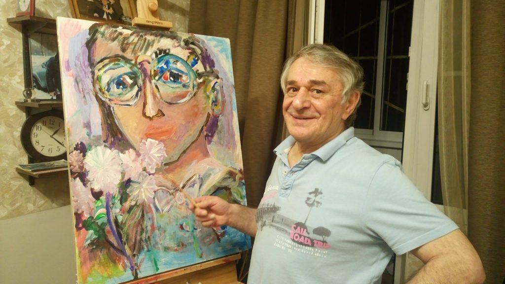 Доктор Хасай Алиев в свободное время рисует прекрасные картины.