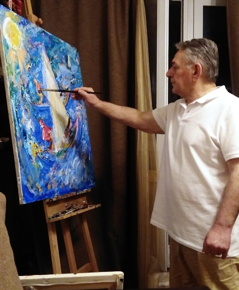 Хасай Алиев рисует картину