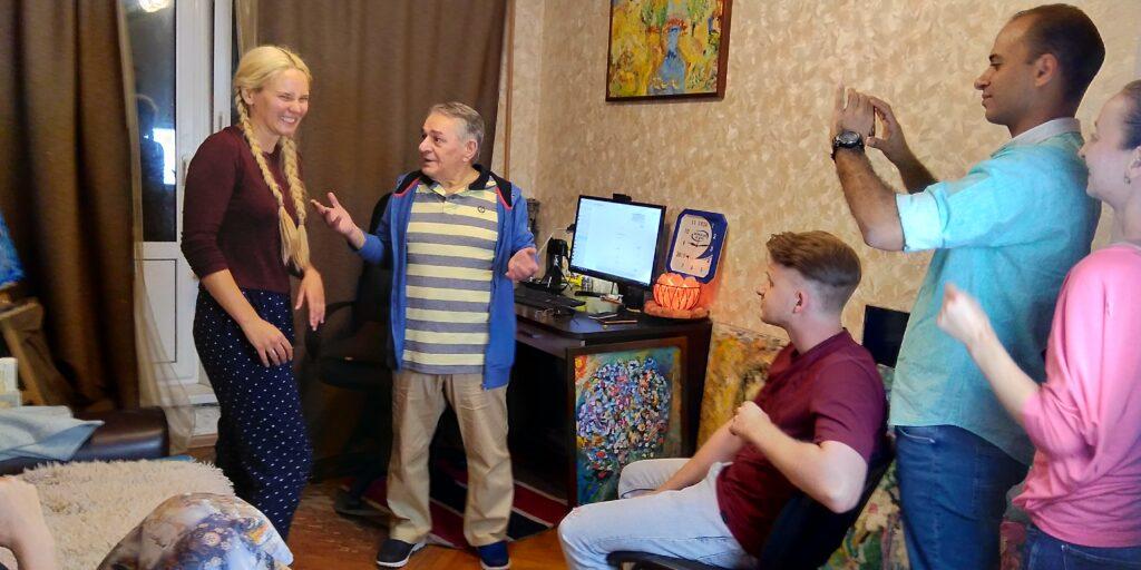 Хасай Алиев проводит мастер-класс по раскрепощению актеров